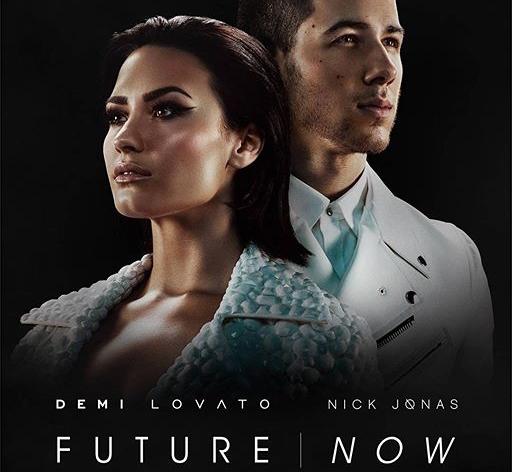 Demi Lovato e Nick Jonas visitam hospital infantil