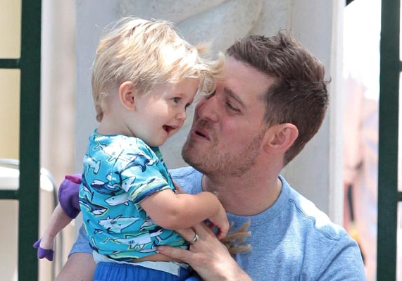 Michael Bublé fará pausa na carreira filho Noah