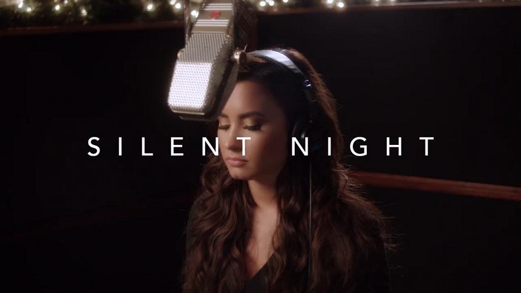 Demi Lovato faz cover emocionante de 'Silent Night'; confira
