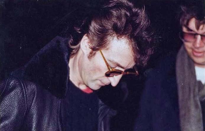 Assassino de John Lennon revelou à esposa plano de assassinar músico