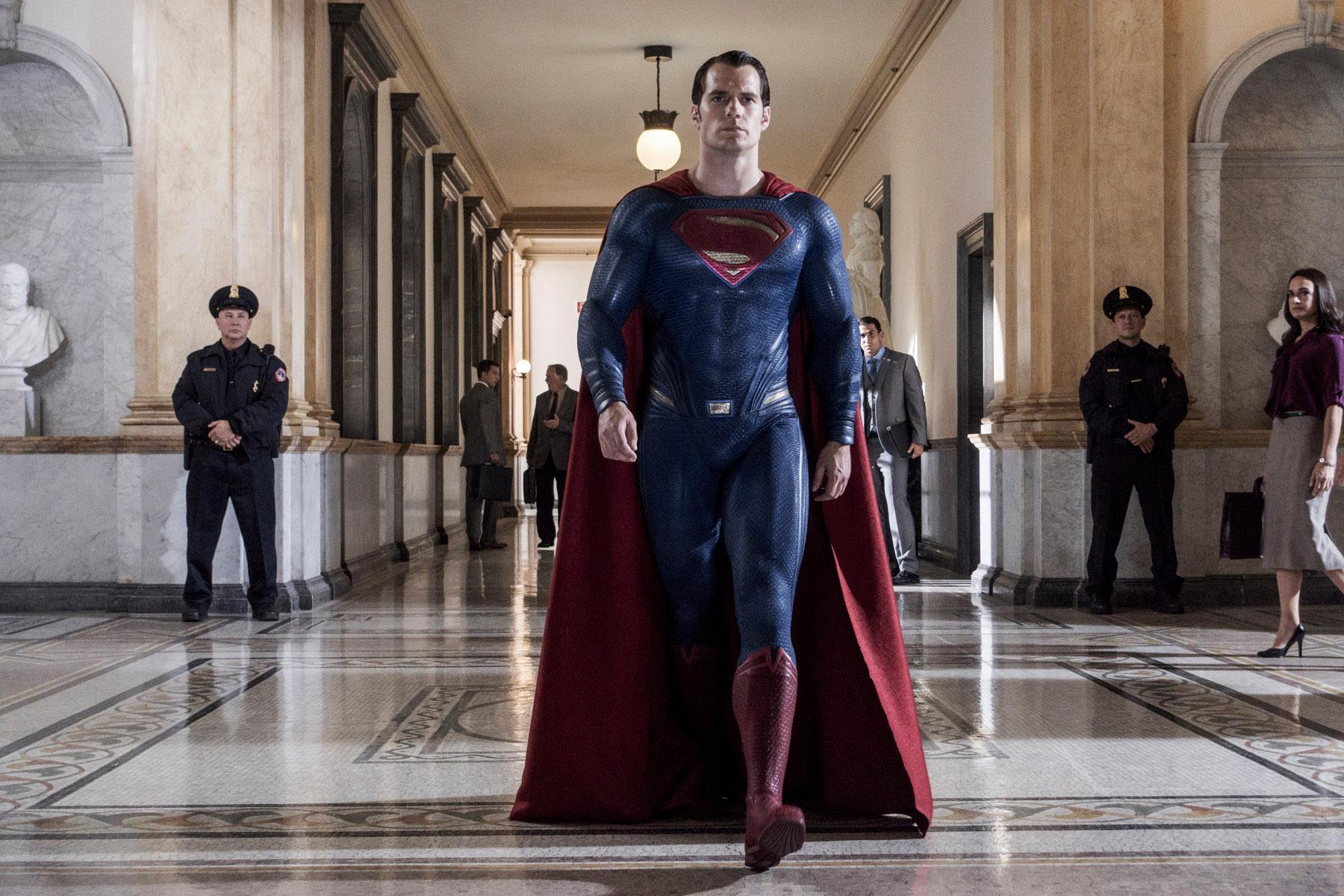 Henry Cavill não será mais o Superman, afirma site
