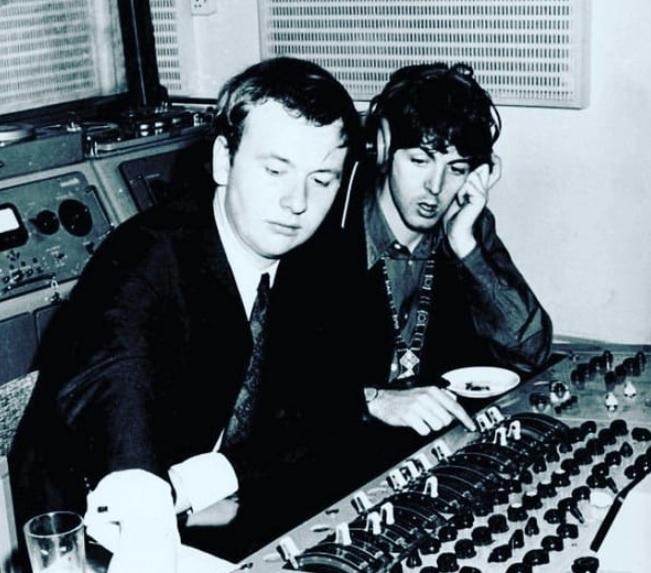Morre Geoff Emerick, engenheiro de som dos Beatles