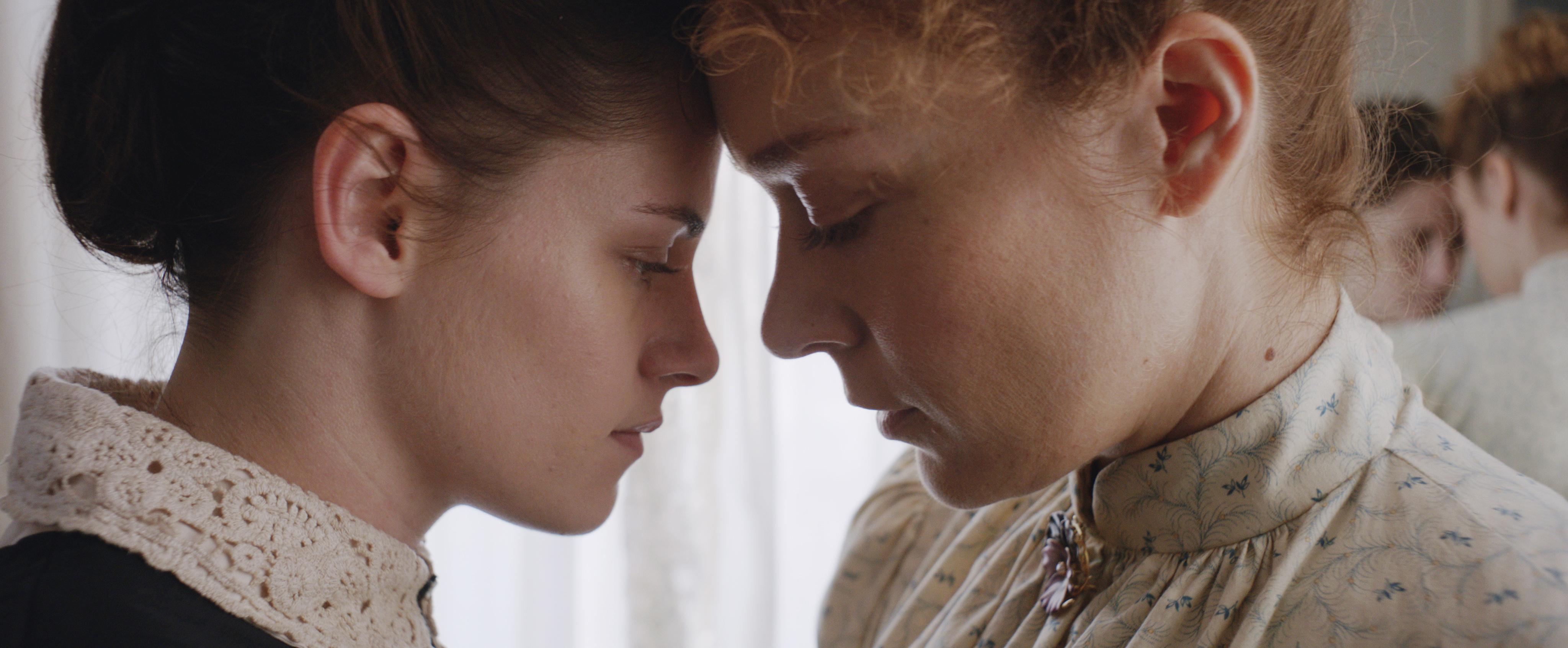 """""""Lizzie"""", filme com Chloë Sevigny e Kristen Stewart ganha trailer; assista"""