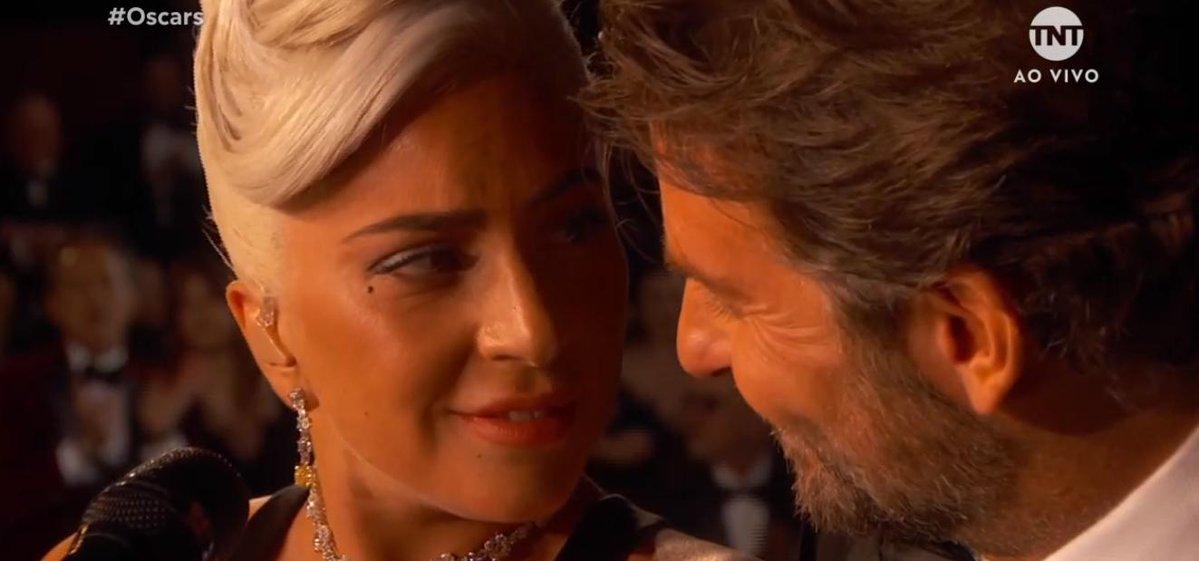 """Lady Gaga e Bradley Cooper cantam """"Shallow"""" juntos no Oscar 2019; assista"""