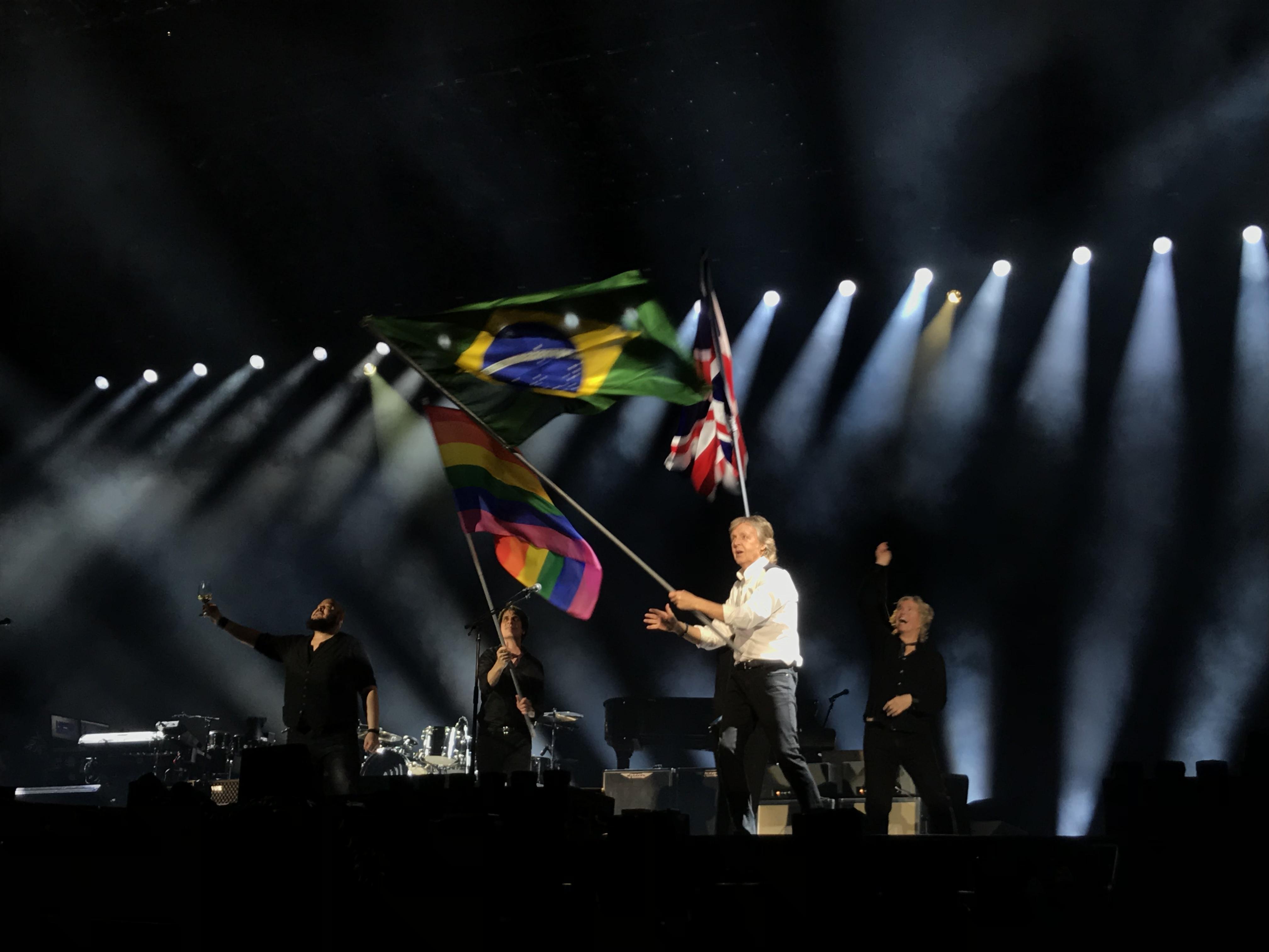 Em São Paulo, Paul McCartney estreia nova turnê com músicas inéditas no Brasil