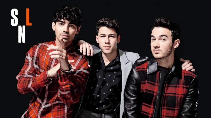 Assista às performances dos Jonas Brothers no Saturday Night Live