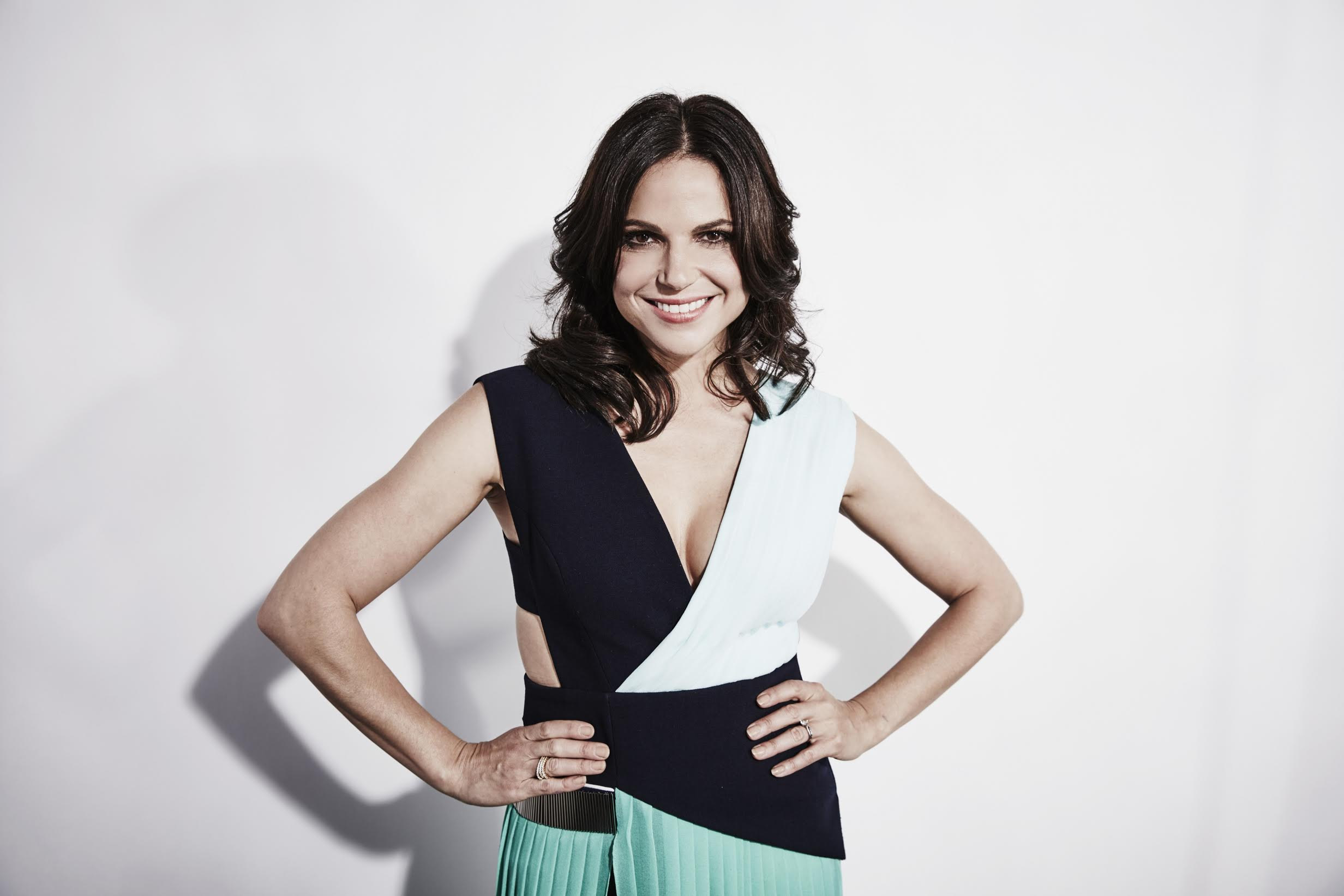 "Lana Parrilla, de ""Once Upon a Time"", virá para CCXP19"