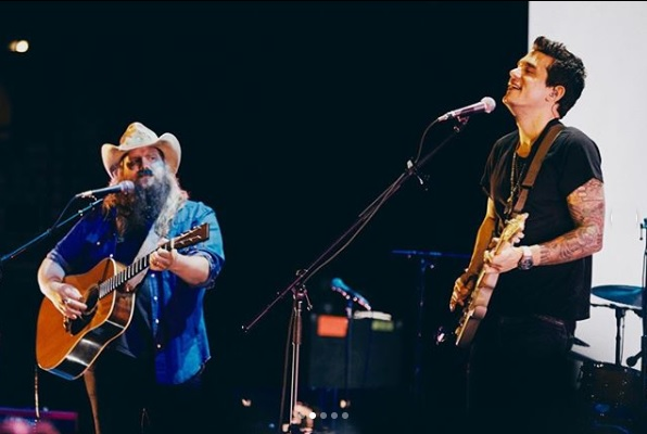 "John Mayer e Chris Stapleton apresentam música que escreveram juntos; ouça ""I Just Remembered That I Didn't Care"""