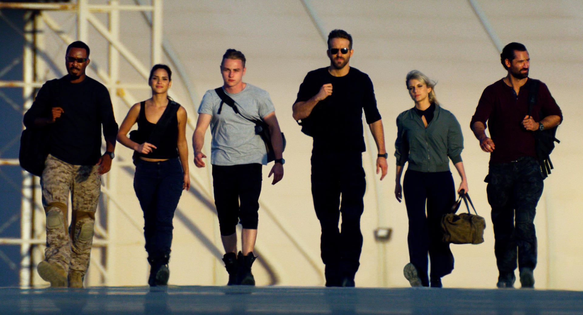Netflix divulga trailer de Esquadrão 6, com Ryan Reynolds