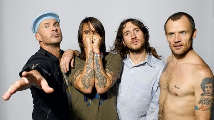 Red Hot Chili Peppers anuncia retorno de John Frusciante à banda
