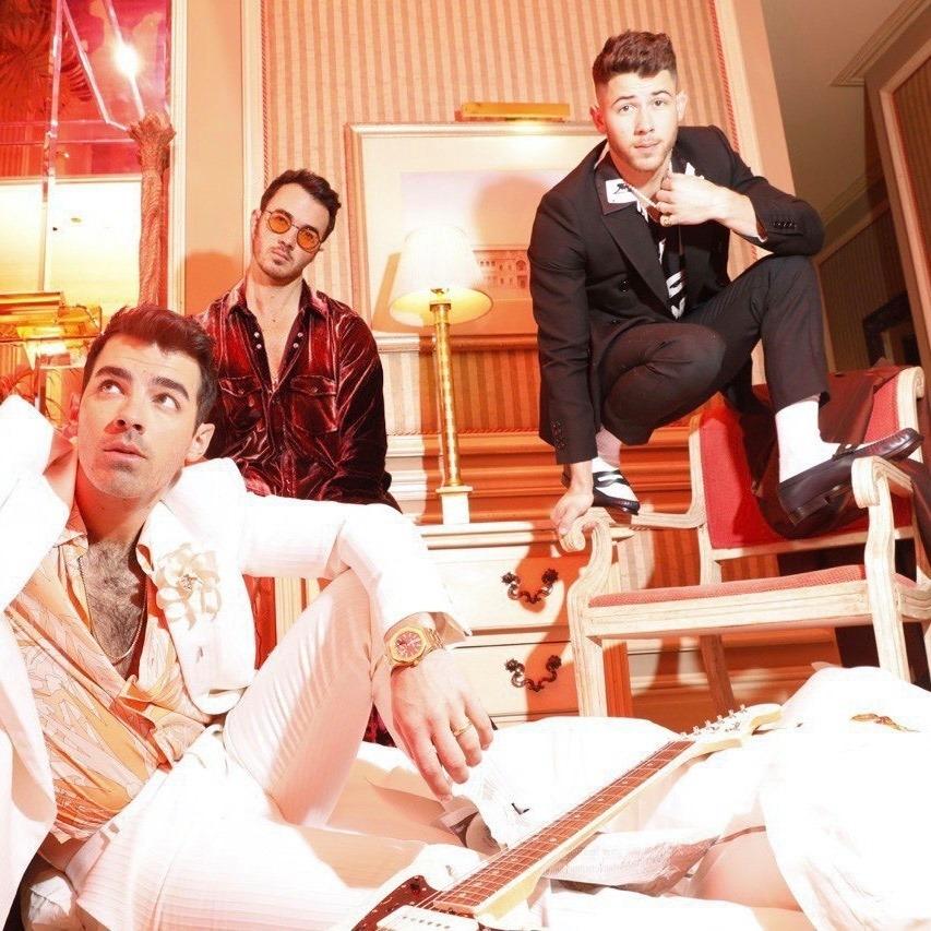 """Jonas Brothers anuncia novo documentário, """"Happiness Continues""""; veja trailer"""
