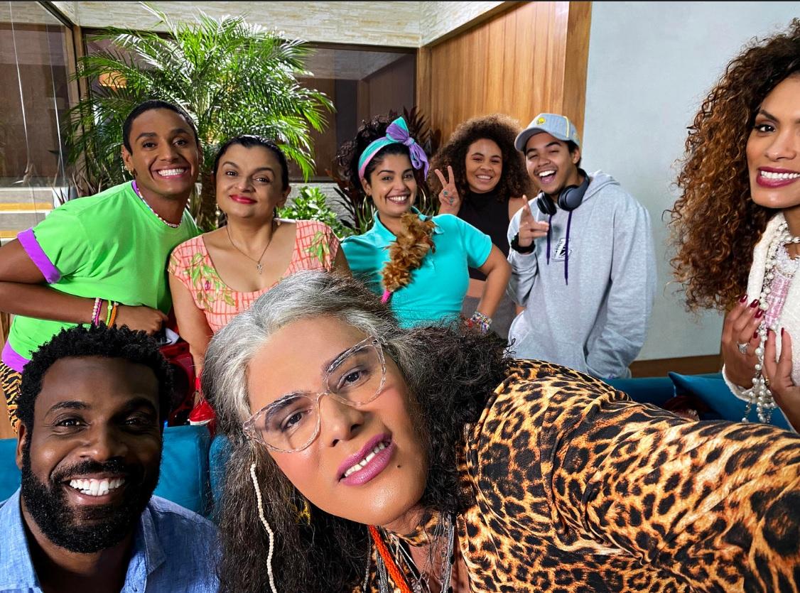 """Netflix anuncia primeira sitcom brasileira, """"A Sogra Que Te Pariu"""""""